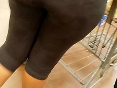 candid ebony mature booty shopping