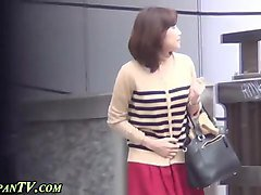 spex asian pees in public