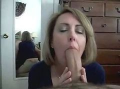 Sexy Amateur MILF Gives a Great BJ