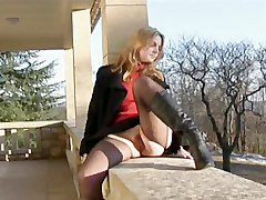 Teen Shows Pussy Outdoor With No Panties Upskirt