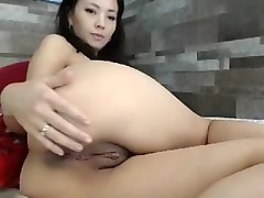 big ass asian masseuse blowjobs cock under the massage table