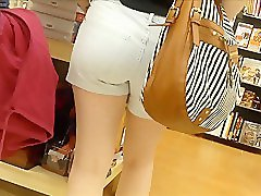 TIGHT TEEN ASS IN SHORT SHORTS HIDDEN CAM 230