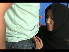 Muslim in hijab sucks a big white cock bwc