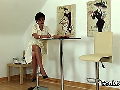 Cheating british milf lady sonia presents her heavy puppies