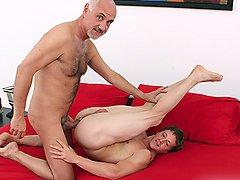 Jake Cruise, Kevin Lane in Cruise Collection #90: Taking the Bait scene 2 - Bromo